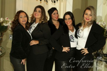 ENTRE ELLAS 01